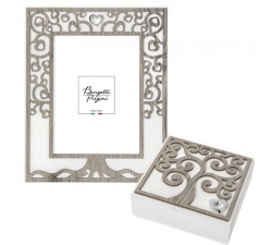 photo frame with tree of life and hearts